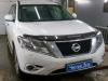 Nissan Pathfinder ustanovka videoregistratora i radar-detektora