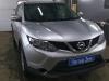 Nissan X-Trail ustanovka golovnogo ustroistva i kameri zadnego vida