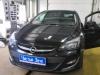 Opel Astra J ustanovka datchikov parkovki