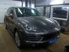 Porsche Cayenne izgotovlenie korpusa sabvufera i ustanovka 1-kanalnogo usilitelia