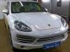 Porsche Cayenne ustanovka videoregistratora