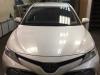 Toyota Camry tonirovanie stekol, ustanovka zamka na KPP, setki v bamper i signalizacii StarLine S96 v meste s podkapotnim blokom R6