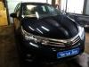 Toyota Corolla ustanovka golovnogo ustroistva, kameri zadnego vida i radar-detektora