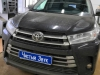 Toyota Highlander ustanovka radar-detektora