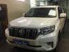 Toyota Land Cruiser Prado 150 ustanovka kombo-ustroistva i signalizacii StarLine S96, tonirovanie