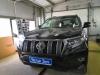 Toyota Land Cruiser Prado ustanovka zamka na kapot