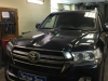 Toyota Land Cruiser tonirovanie stekol i ustanovka zamka na KPP, setki v bamper