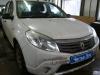 Установка автомагнитолы и динамиков на а/м Renault Sandero.jpg