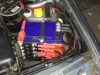 Ustanovka dvuh akkumuliatorov