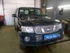 ustanovka golovnogo ustroistva, videoregistratora i kameri zadnego vida na Nissan Patrol