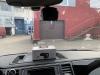 Установка видеорегистратора с радар-детектором на VW Multivan (2)