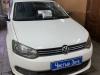 Volkswagen Polo ustanovka datchikov parkovki, kameri zadnego vida i zerkala+monitora Silverstone F1 Interpower IP Mirror