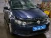 Volkswagen Polo ustanovka kameri zadnego vida i golovnogo ustroistva