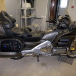 ustanovka dinamicov i usilitely na Honda Gold Wing (1)