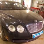 Ustanovka kameru zadnego vida na Bentley (1)