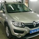 Установка автомагнитолы и динамиков на ам Renault Sandero. (1)