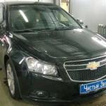 Установка радар-детектора, видеорегистратора и камеры заднего вида на ам Chevrolet Cruze.  (1)