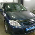 Установка автомагнитолы и компонентных динамиков на Toyota Corolla (3)