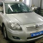 Установка датчиков парковки на ам Toyota Avensis. (1)