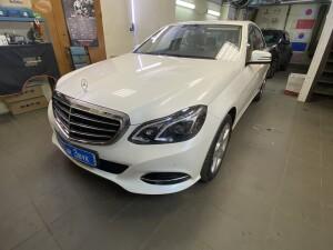 камера заднего вида на Mercedes E