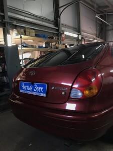 установка камеры заднего вида на Toyota corolla 1