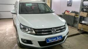 установка сабвуфера на Volkswagen Tiguan 1
