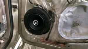 Установка акустики на Toyota HI lux 4