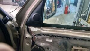Установка акустики на Toyota HI lux 5