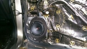 установка акустикиSubaru Forester 3