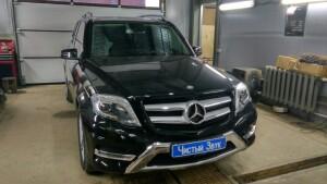 установка головного устройства на Mercedes GLK 1
