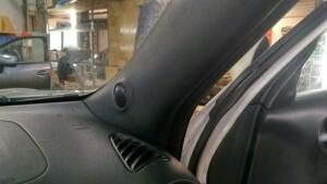 Установка акустики на Nissan Juke 3