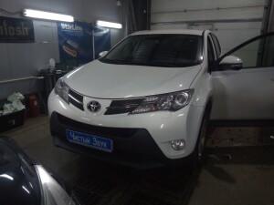 Установка сигнализации на Toyota RAV-4 1