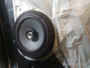 установка акустики Kia Sportage 2