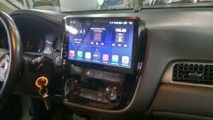 установка головного устройства на Mitsubishi Outlander 3