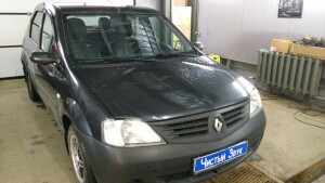 установка головного устройства на Renault Logan 1