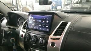 Mitsubishi pajero sport установка головного устройства 2