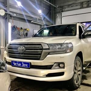 Toyota LC 200 установка омывателя кзв 1