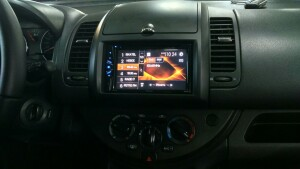 установка головного устройства на Nissan Note 2