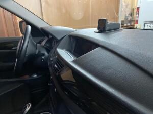 установка видеорегистратора на BMW X1 1