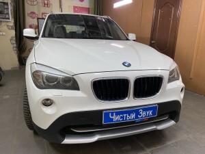 установка видеорегистратора на BMW X1