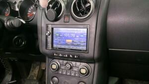 Nissan Qashqai установка головного устройства 2