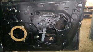 Renault Logan установка динамиков, шумоизоляция 10