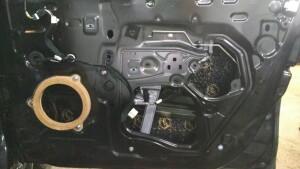 Renault Logan установка динамиков, шумоизоляция 9