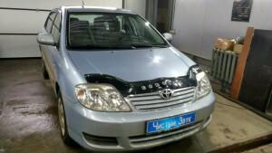 Toyota Corolla установка камеры заднего вида и головного устойства 1