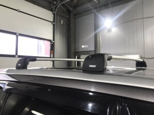 Toyota Highlander установка багажника THULE 2