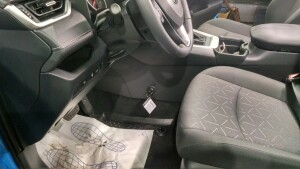 Toyota Rav-4 становка замка на кпп 3