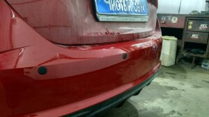 установка сигнализации и парктроников на Hyundai Solaris 1