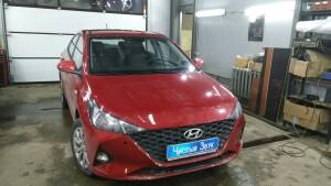 установка сигнализации и парктроников на Hyundai Solaris 4