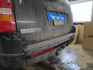 Ford Explorer установка парктроников 3
