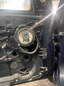 Ford Fiesta установка музыки 3